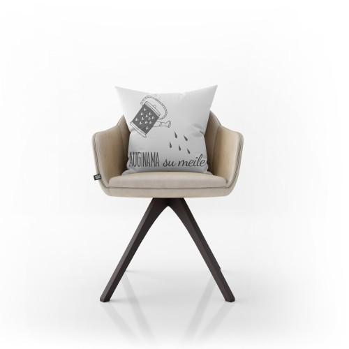 """Dekoratyvinė pagalvėlė """"Auginama su meile"""""""