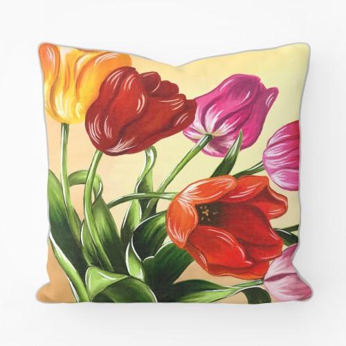 """Dekoratyvinė pagalvėlė - paveikslas """"Tulpių puokštė"""""""